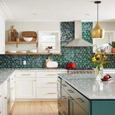 Home Decor Kitchen, Kitchen Interior, New Kitchen, Home Kitchens, Medium Kitchen, Gold Interior, Kitchen Furniture, Green Tile Backsplash, Kitchen Tiles