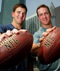 Eli Manning - NY Giants Peyton Manning - Indianapolis Colts - Oops, I mean Denver Broncos Love the mannings! Nfl Fantasy, Fantasy Football, New York Football, Nfl Football, Football Memes, Football Shirts, American Football, Peyton And Eli Manning, Manning Nfl