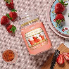 Yankee Candle, Large Jar Candle, White Strawberry Bellini #jarcandles