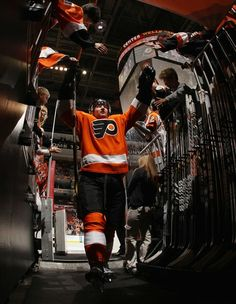 4653410478b Hartnell not down! ;) Flyers Players, Hockey Boards, Philadelphia Flyers,  Sticks