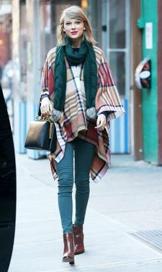 Taylor Swift Photos: Taylor Swift Steps Out in NYC