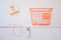 Ak at home : crochet * beschrijving fleshoesje Crochet Poncho, Crochet Granny, Baby Blanket Crochet, Crochet Doilies, Baby Boots, Pattern, Blog, Handmade, Crochet Mandala