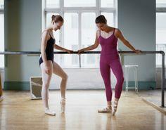 ストックフォト : Two Ballet Dancers in a Dance Studio