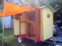 I dreamed for a number of years of building a gypsy-style caravan on a 4-wheel 14-foot-long wagon chassis that I bought from Shiloh Wagon Works in Minnesota.
