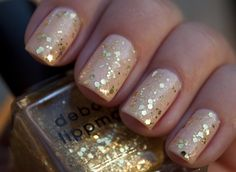 looks almost like gold leafing nail polish!