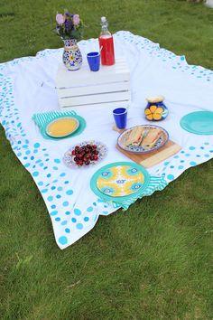 DIY Painted picnic blanket