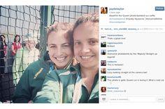 Rainha da Inglaterra fez photobomb em selfie – virando meme em 3, 2... ;-) - Blue Bus