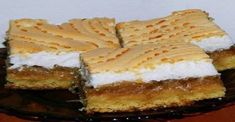 Spanakopita, Sandwiches, Cheesecake, Food And Drink, Ethnic Recipes, Basket, Cheesecakes, Paninis, Cherry Cheesecake Shooters