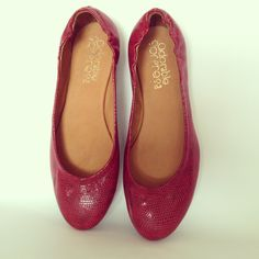 Flats red