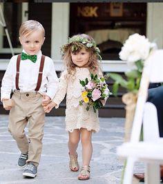 Boho Style Vintage Langarm häkeln Blumenmädchen Kleid von RaqRobesCollection auf Etsy https://www.etsy.com/de/listing/249301117/boho-style-vintage-langarm-hakeln