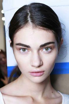 natural makeup, beauty trends, brows, spring summer, sensitive skin