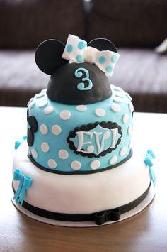 Minnie Mouse cake blue