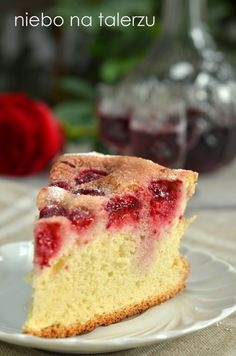 Ciasto biszkoptowe z malinami