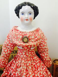 Vintage China A 'Flat Top' China Head Beauty Victorian Dolls, Antique Dolls, Vintage China, Antique China, Frozen Dolls, My Doll House, China Dolls, Doll Costume, Creepy Dolls