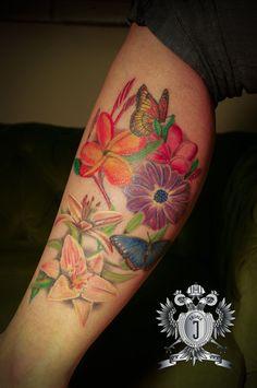 #flower #blume #gerberer #frangipani #butterfly #schmetterling #tattoo #inked #mondseeink #mondseetattoo #girls #sexy #silverbackink #intenzeink #witchhazel #mondsee #energie #energy #energytattoo #triplej
