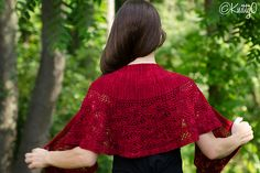 Elegant, delicate and dreamy, casual, or dressy, this shawl features a beautiful lace panel reminiscent of a Tiger Lily flower. Lace Knitting, Crochet Shawl, Knit Crochet, Knitting Designs, Knitting Projects, Shawls And Wraps, Ravelry, Free Pattern, Crochet Patterns