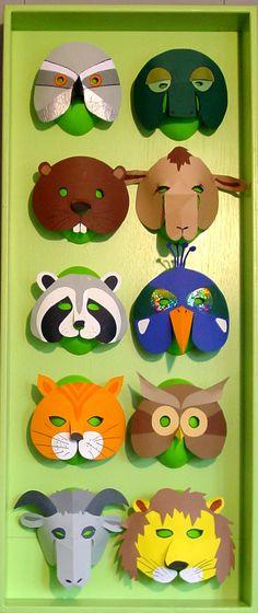 Maskers voor de Dierencirkel (Cuvellier). Gemaakt door Poppentheater Peterselie voor boek over therapeutische toepassingen van poppenspel.