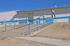 """Vídeo Parte CemporcentoSKATE: Gabriel Fortunato """"Skate is Happiness"""" - http://DAILYSKATETUBE.COM/video-parte-cemporcentoskate-gabriel-fortunato-skate-is-happiness/ - Chamada """"Skate is Happiness"""", o título dessa vídeo parte já explica praticamente tudo que o skate representa para Gabriel Fortunato. O menino de Suzano segue, com passos firmes e sorriso no rosto, o caminho pra se tornar um dos grandes do skate mundial. Grande talvez não no tamanho, mas pelo que a  - cem"""