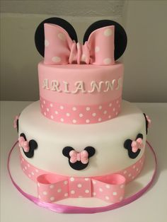 ▷ 1001 + ideas for the cutest Minnie Mouse cake for your little one pink and white fondant, minnie mouse smash cake, two tier cake, pink bows, white cake tray Minnie Mouse Cake Decorations, Minnie Mouse Cupcake Cake, Bolo Da Minnie Mouse, Mini Mouse Cake, Minnie Mouse Birthday Cakes, Minnie Mouse Baby Shower, Mickey Cakes, First Birthday Cakes, Mickey Birthday