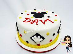 Bolos em Pasta Americana - Designer de bolos - Bolos Decorados - Doces Cupcake Gabriela Lemos Cakes: Bolo Mickey