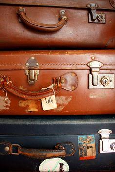 Dear Little House: How to restore a fabulous vintage suitcase.