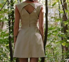 Deer patronen - patronen - De Stoffenkamer Groot, Junior Dresses, Clothing Patterns, Cloths, Sewing Projects, Dresses For Work, Crafts, Women, Fashion