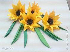 Поделка изделие 8 марта Оригами Желтые цветы оригами Бумага