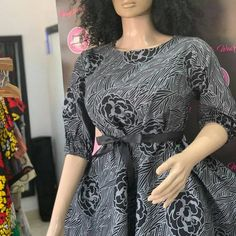 Dresses For Pregnant Women, Office Dresses For Women, African Print Fashion, Africa Fashion, Casual Dresses, Short Dresses, Fashion Dresses, Bridal Hair Tiara, Unique Ankara Styles