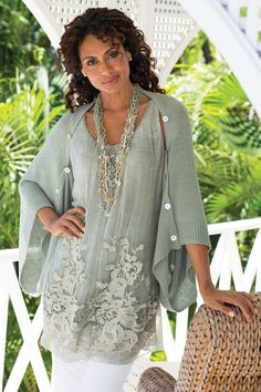 Tunic - Soft Surroundings offers stylish, luxurious & comfortable women's clothes for every size. Find beautiful shoes and jewelry to match. Feel your best in the softest fabrics from Soft Surroundings. Fashion Over 50, Look Fashion, Fashion Outfits, Shrug For Dresses, The Dress, Long Dresses, Ärmelloser Mantel, Mode Ab 50, Bohemian Schick
