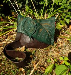 Medium Leather Leaf Purse / Bag Pouch Tote Sack Satchel Woodsy Woodland Elf Faerie Renaissance Hobbit Earthy Earth Wood Nymph Leaves RenFest...