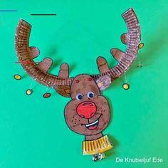 #rendierknutselen Reindeer Noses, Reindeer Craft, Reindeer Decorations, Red Nosed Reindeer, The Grinch, Nordic Christmas, Kids Christmas, Christmas Card Packs, Happy New Year Cards