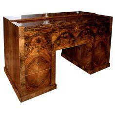 Biedermeier Walnut Official's Desk Easy Woodworking Projects, Woodworking Furniture, Fine Woodworking, Dressing Table Mirror, Dressing Tables, Woodworking Ideas For Girlfriend, Build A Farmhouse Table, Art Deco Desk, Diy Sofa