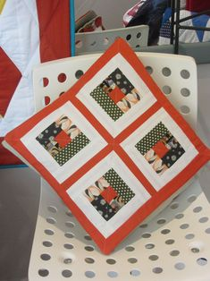 Jan's log cabin cushion Small Groups, Cushion, Workshop, Students, Colours, Cabin, Quilts, Scrappy Quilts, Atelier