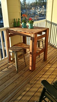 Wood Pallet High Top Table