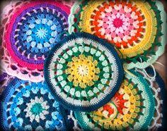 Daisy Centre Mandala Pattern    Base pour le carré t le grand rond