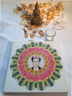 """""""Ich male Blumen, damit sie nicht sterben."""" """"Frida Kahlo"""" Handgemahltes Mandala mit Buntstiften auf Leinwand 30 x 30 cm Artwork, Mandalas, Frida Kahlo, Colouring Pencils, Glee, Canvas, Flowers, Work Of Art, Auguste Rodin Artwork"""