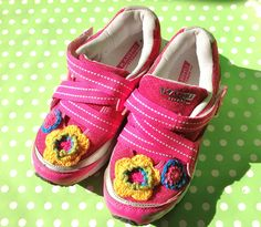 Crocheted flowers appliques on sport shoes by Little Yeya