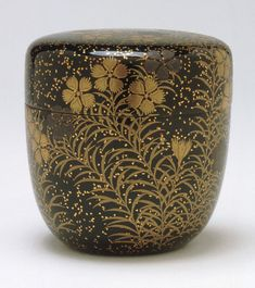 Japanese Prints, Japanese Art, Top Photos, Natsume, Japanese Screen, Japanese Tea Ceremony, Art Japonais, Tea Caddy, Japanese Pottery