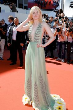 See Every Red Carpet Look From the 2017 Cannes Film Festival - Elle Fanning in Gucci