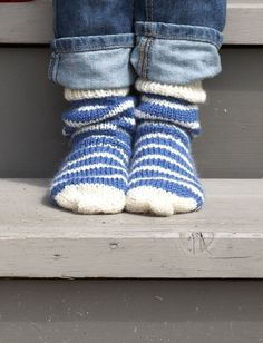 Basic Socks - Patterns | Yarnspirations