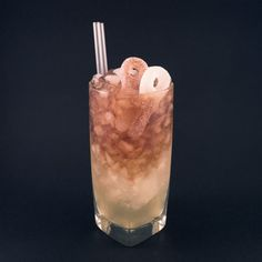 Another candy-based drink with a taste of sour cola. Cola Drinks, Cocktail Drinks, Alcoholic Drinks, Drinks Alcohol, Beverages, Pop Drink, Food And Drink, Baby Food Recipes, Snack Recipes