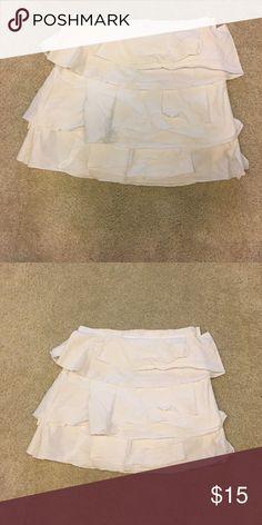 White Cotton Ruffle BCBG Skirt Super cute skirt BCBG Skirts