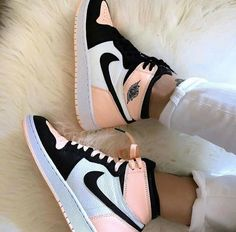 Sneakers Shoes, Cute Sneakers, Sneakers Fashion, Sneakers Adidas, Jordans Sneakers, Converse Shoes, Cute Nike Shoes, Nike Air Jordans, Nike Fashion