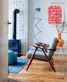 love these vintage iceblue velt chairs and the jielde lamp! Mid Century Living Room, Home Living Room, Living Spaces, Mid-century Interior, Interior Architecture, Interior Decorating, Contemporary Interior, Modern Interior Design, Mid Century Modern Design