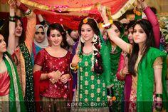 Cute Mehndi bride Bridal Mehndi Dresses, Fashion Wear, Bridal Fashion, Haldi Ceremony, Mehndi Brides, Muslim Brides, Pakistani Bridal, Wedding Photoshoot, Bollywood Fashion