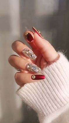 DIY Nail art designs that are actually very Easy. Nail art design needs to be attractive and fashionable. Fabulous Nails, Perfect Nails, Gorgeous Nails, Nail Art Designs Videos, Cute Nail Designs, Stylish Nails, Trendy Nails, Nail Trends, Makeup Trends