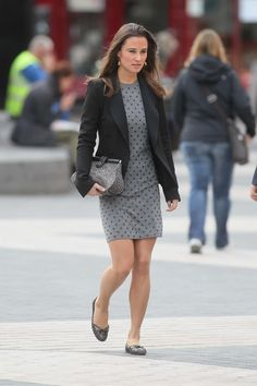 Pippa Middleton - Tight Dress Candids-06.jpg (2578×3867)