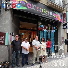 Acabamos de presentar en #TamayoPapeleria el #shoppingJazz 2017 que arranca con la decoración de 43 escaparates de #donostia #SanSebastian gracias a la iniciativa de @sansebastianshops y la colaboración de @tamayoPapeleria y @poscagallery que han provisto de material a 43 ilustradores para ambientar los comercios de la ciudad con el ya clásico #jazzMargotu en el inminente @heinekenjazzaldia Más info en http://ift.tt/2tFxM0r