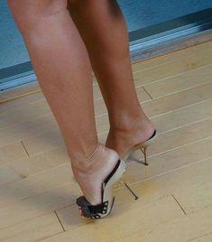 Wooden mules, great legs and feet Sexy Legs And Heels, Hot High Heels, Platform High Heels, Cute Heels, Gorgeous Feet, Only Shoes, Hot Shoes, Shoes Heels, Female Feet