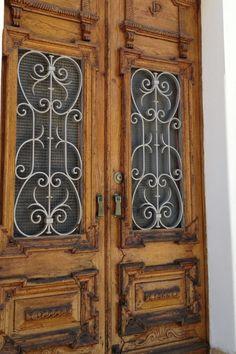 Old Portuguese door, Portamao